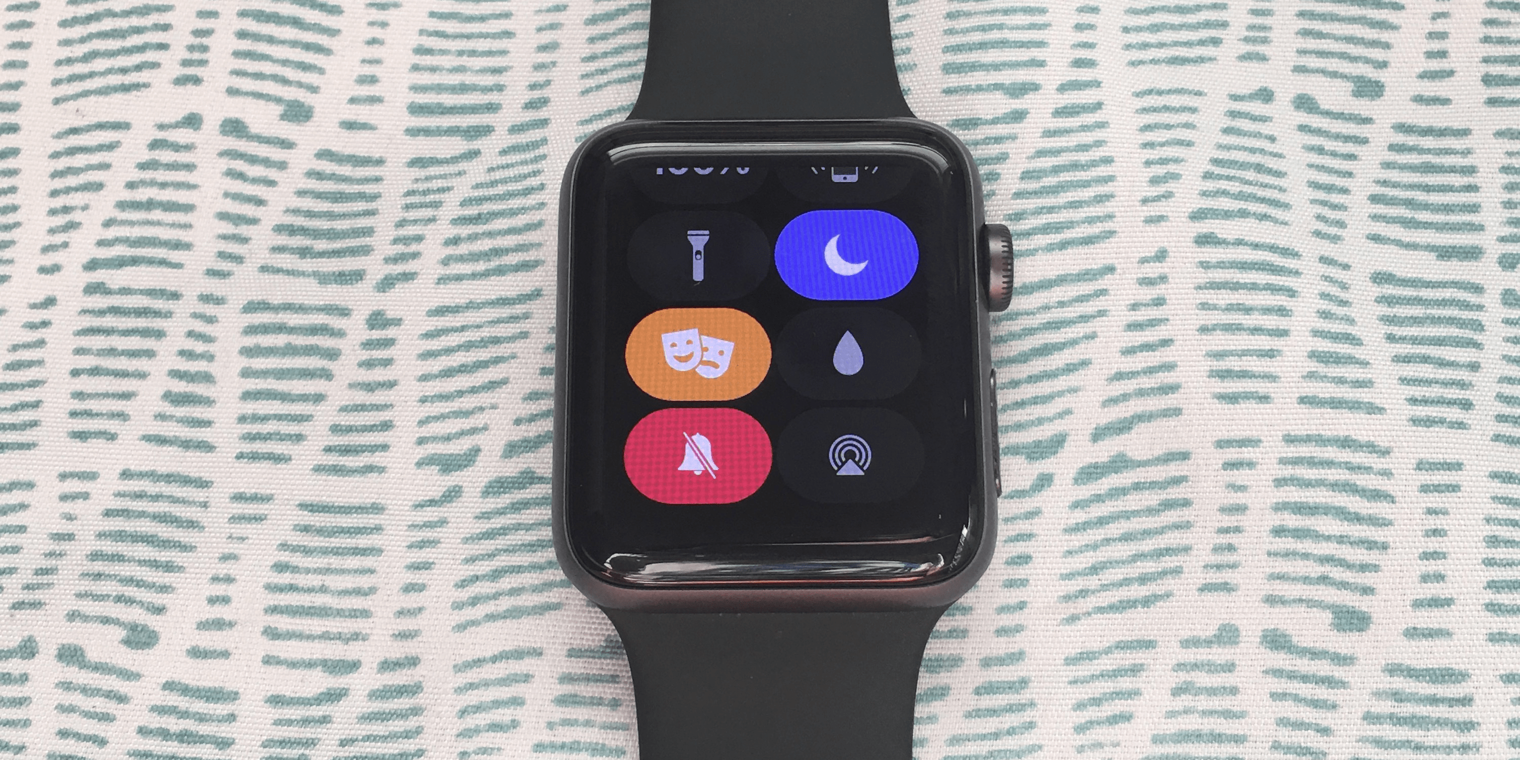 How to Silence Your Apple Watch in Four Different Ways